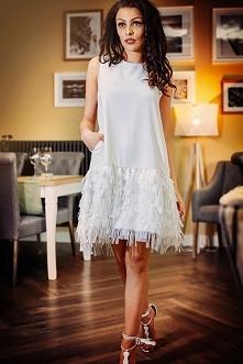 luźna sukienka z frędzlami