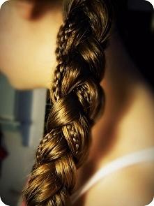 Bardzo ładna fryzura do szk...