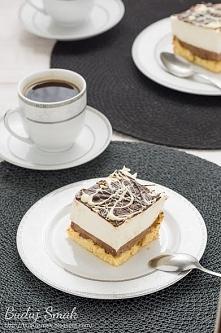 Ciasto z kremem chałwowym i pianką śmietanową
