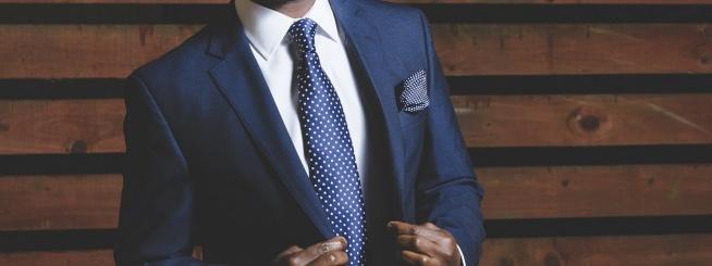 Garnitur – 6 powodów dlaczego warto nosić?