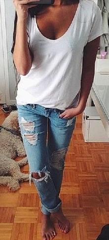 biały tshirt od biedronka997 z 18 maja - najlepsze stylizacje i ciuszki