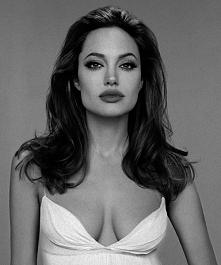Angelina :3