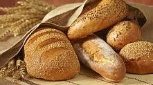 -Aby pieczywo nie pleśniało, raz na tydzień należny pojemnik przetrzeć woda z octem, -Chleb będzie świeży dłużej,jeżeli do pojemnika włożymy jabłko,  -Świeże bułki można zamrozi...