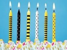Kolorowe świeczki urodzinowe idealne na dziecięce przyjęcie. Świeczki dostępne w kolorach biel, żółty, czarny.