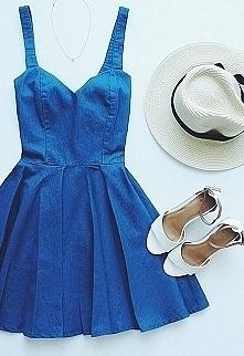 Piękna jeansowa sukienka