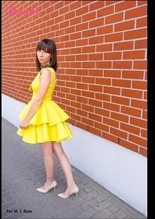 Zjawiskowa sukienka z podwójną falbaną w kolorze limonki.