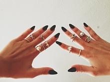 Czerń i pierścionki♥