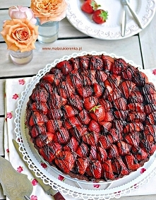 Tarta czekoladowa z truskaw...