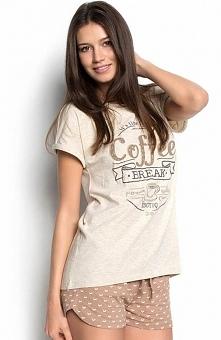 Esotiq Sunday 34236-12X komplet beżowy Dwuczęściowa piżamka damska, bluzka z krótkim rękawem, z przodu napis Coffee Break
