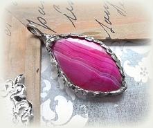 Wisior z różowym agatem. Acoya Jewellery.