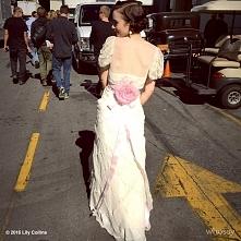 Lily dla filmów amazona ( The Last Tycoon)w kostiumie Janie Bryant.