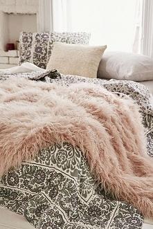 mmmmm, łóżko marzenie <3