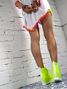 Sneakersy lycra neon - idealne na lato
