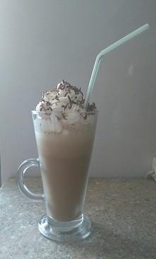 home-made kawa z lodami, w sam raz na upał