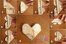 Jak zrobić serduszko z banknotów. Świetny pomysł jak efektownie zapakować pieniądze na ślub