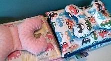 Komplety z minky i bawełny: kocyki 75x100, poduszki 30x40 i motylki antywstrząsowe.