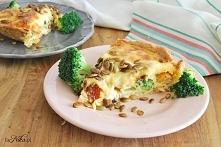 Tarta z kurczakiem, brokułami i suszonymi pomidorami