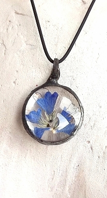 Niebieskie kwiaty do letnich stylizacji. Acoya Jewellery.