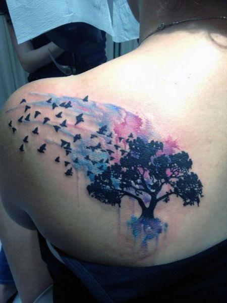 Tatuaże Damskie Drzewo Na Plecach Na Tatuaże Zszywkapl