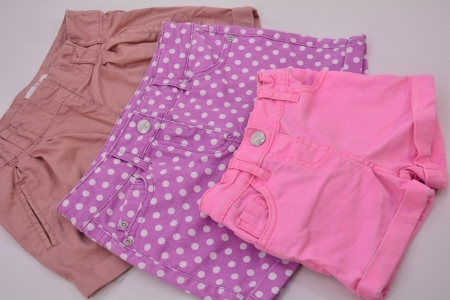 Krótkie spodenki dla dzieci - secondhand online - Zapraszamy!