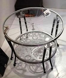 stolik z recyklingu