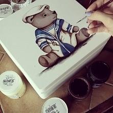 Miś żeglarz. ręcznie malowana szkatułka. Facebook -> Malowana_Sowa