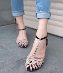 Sandały rzymianki ! Po kliknięciu w zdjęcie przeniesie Cię do sklepu :)