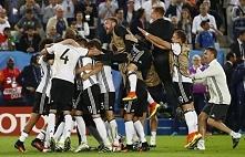 Niemcy - Włochy   1 : 1 (6 : 5 karne)  Mecz, pomijając parę akcji, był nudny....