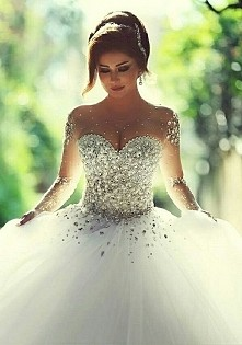 sukienka :)