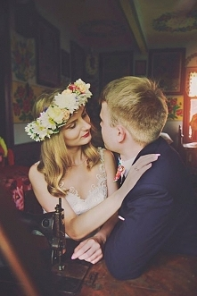 Fotografia ślubna w folkowy...