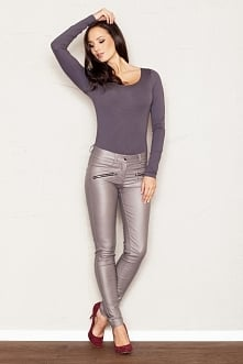 Seksownie opinające figurę spodnie wykonane z przyjemnej wiskozy z dodatkiem ...
