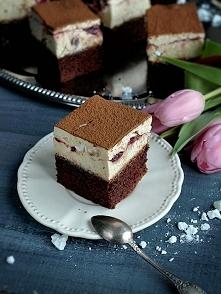 ciasto 125 g masła (lub oleju) 1 szklanka mleka 2 łyżki kakao 3/4 szklanki cu...