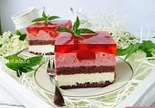 ciasto z budyniem i tuskawkami