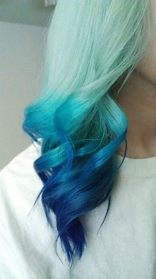Pomysły na kolorowe włosy czyli szalone koloryzacje na lato.