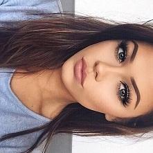 Wiecie może kim jest ta dziewczyna ?? :)