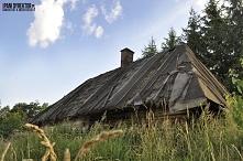 Malownicza drewniana chata ...