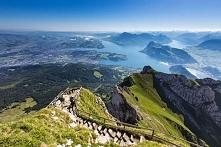 Widok z góry Pilatus na Lucernę i Jezioro Czterech Kantonów (Lucerna, Szwajcaria)