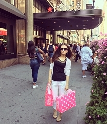 Macy's -shopping - Vic...