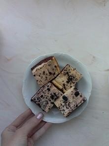 Pyszne budyniowe serniko-brownie :))
