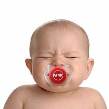 Smoczek który pomoże Ci nie wpaść w panikę przy maluchu :P Kliknij po więcej!