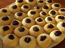 Małe ciastka z powidłami, palce lizać :D  Po przepis klikamy w fotkę :)