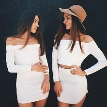 Modele bez ramion: sukienka off shoulder i komplet topu bez ramion i spódnicy