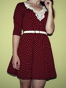 Mam do sprzedania sukienkę, przerobioną przeze mnie, moze ktoś jest zainteresowany? :)