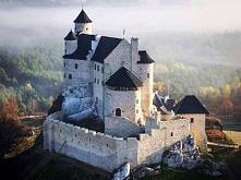 XIV-wieczny zamek w Bobolicach.