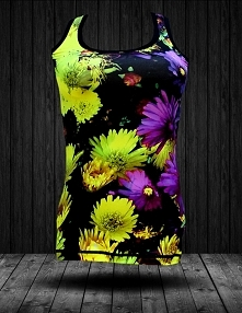 Piękny damski tanktop - świetna propozycja od firmy FPwear. Kwiatowy motyw nadaję się idealnie na wiosnę, lato na plaże gdziekolwiek chcesz. Materiał z którego zrobiona jest kos...