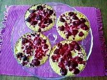 Sezon na maliny w pełni. Na pierwszy ogień idzie mini tarta z malinami. Przepis po kliknięciu w zdjęcie. z blogu workitgirl.pl