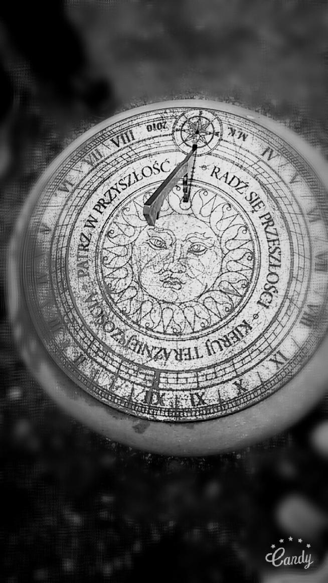 """""""Radź się przeszłości, Kieruj się teraźniejszością, Patrz w przyszłość"""""""