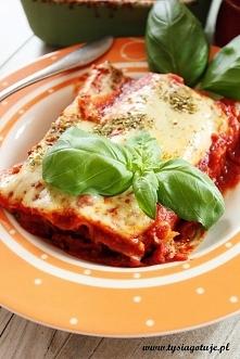Cannelloni z mięsem mielonym i sosem pomidorowym   Składniki: na 2-3 osoby  1...