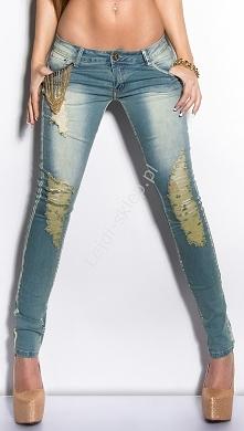 Jeansy z łańcuszkami