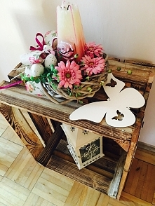 stolik dekorujący moje wnętrze domku <3